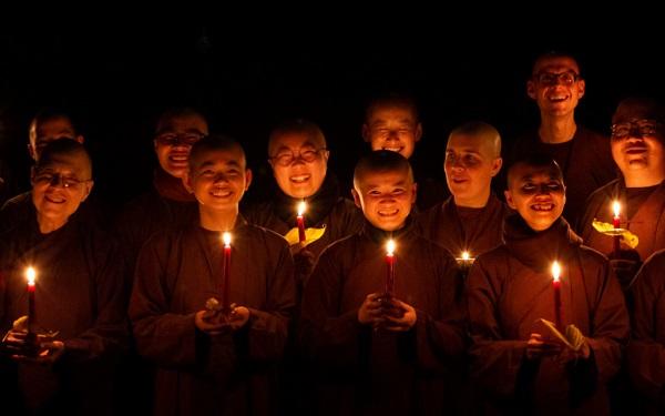 monastics_kerstmis Nieuwsbrieven van Leven in Aandacht