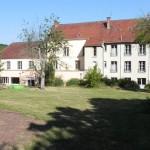 Monniken Plum Village betrekken nieuw klooster Healing Spring bij Parijs. Vanaf 17 nov  winter retraite