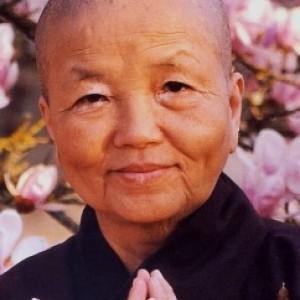 Zr. Chan Khong roept op kloosterlingen te steunen