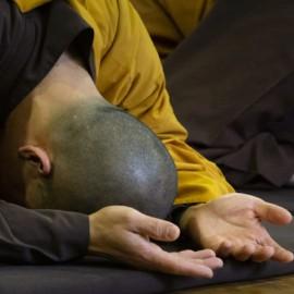 Hoe zorgen monniken en nonnen voor hun negatieve gevoelens?