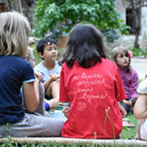 Vrijwilligers gevraagd voor kinderprogramma bij de zomerretraites