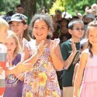 25 Plum Village songs voor kinderen: om naar te luisteren en aan te leren