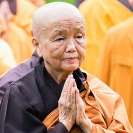 Zuster Chan Khong doet opnieuw beroep op de gemeenschap